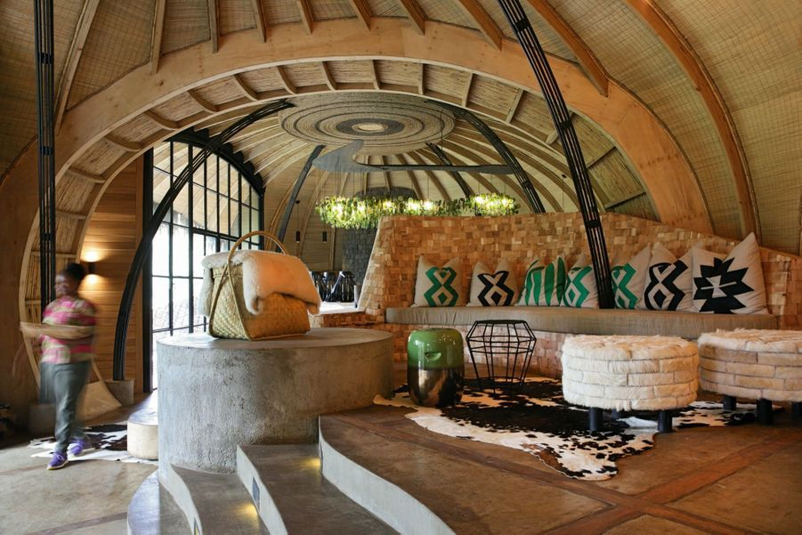 Le Bisate Lodge. Un refuge niché dans le cône érodé d'un ancien volcan. Le dernier joyau de l'hôtelier Wilderness Safaris.