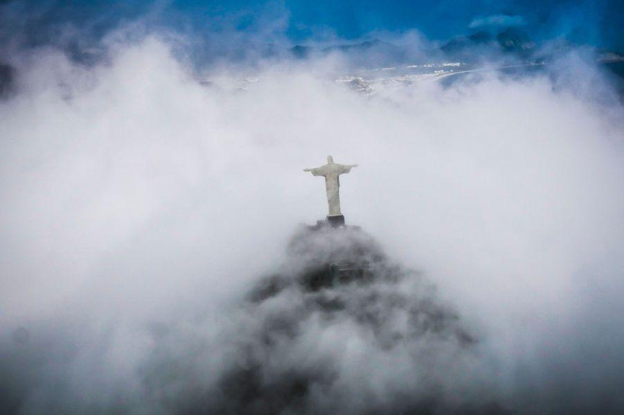 Du 6 au 27 octobre, Paris Match et Safrans du monde vous feront découvrir les coulisses du voyage d'une vie. Première étape, Paris-Rio, avec une escale surprise... au Cap Vert.Photo prise au Brésil.