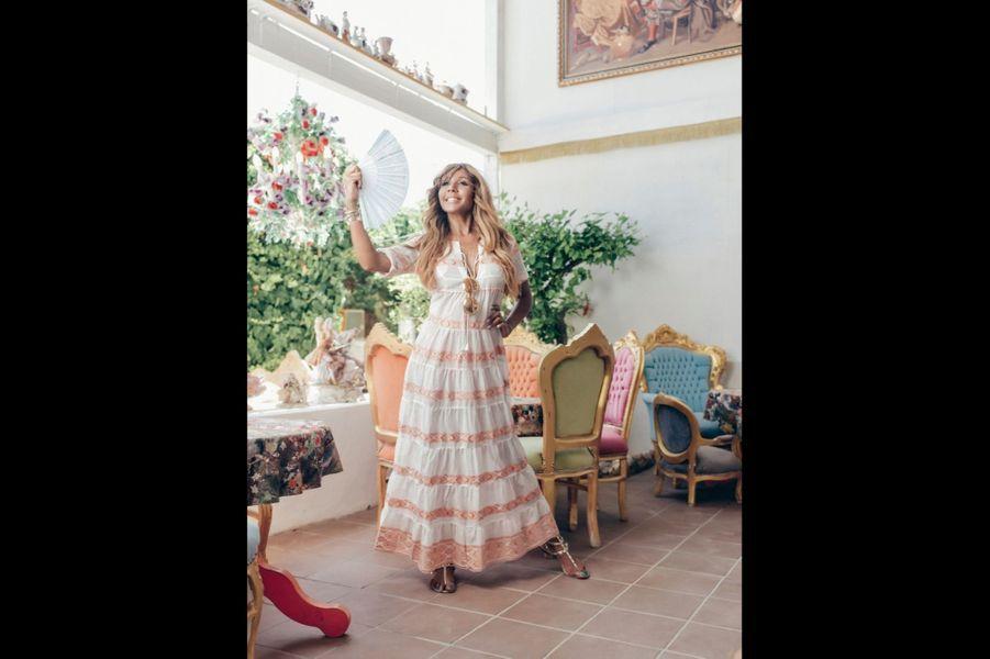 Dans la boutique de décoration Sluiz, l'une de ses préférées. C'est là qu'elle a choisi certains des meubles de sa maison d'Ibiza.