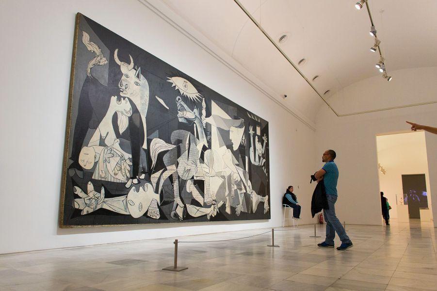 « Guernica » de Pablo Picasso au Musée Reina Sofia à Madrid.