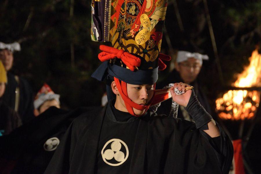 Illustration du Hachinohe Enburi, un festival quicélèbre l'arrivée du printemps