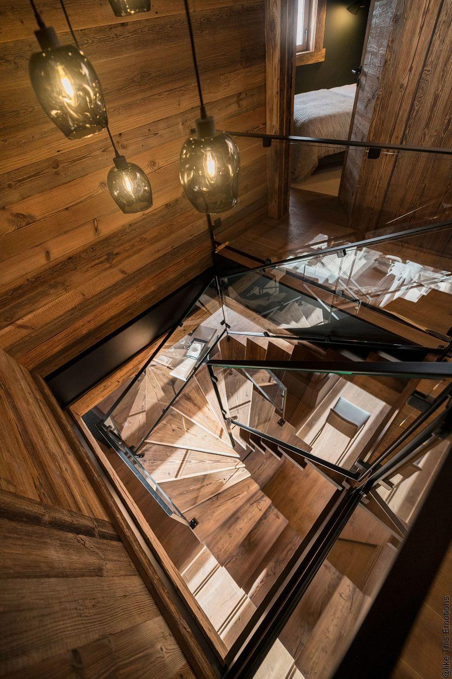 Escalier en verre.