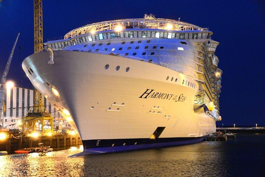 l'Harmony of the Seas, sur le chantier naval de Saint-Nazaire