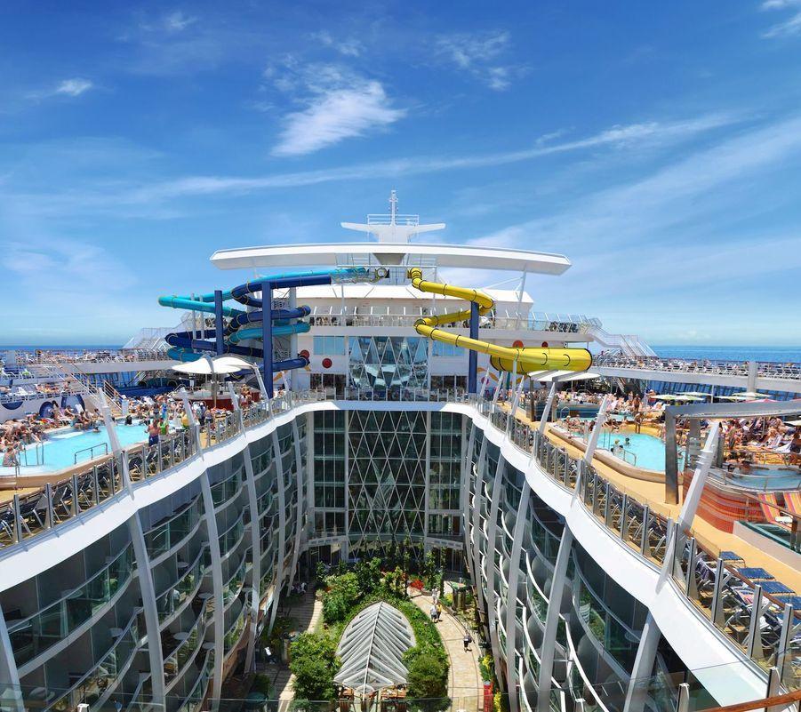 Le navire comporte 18 étages
