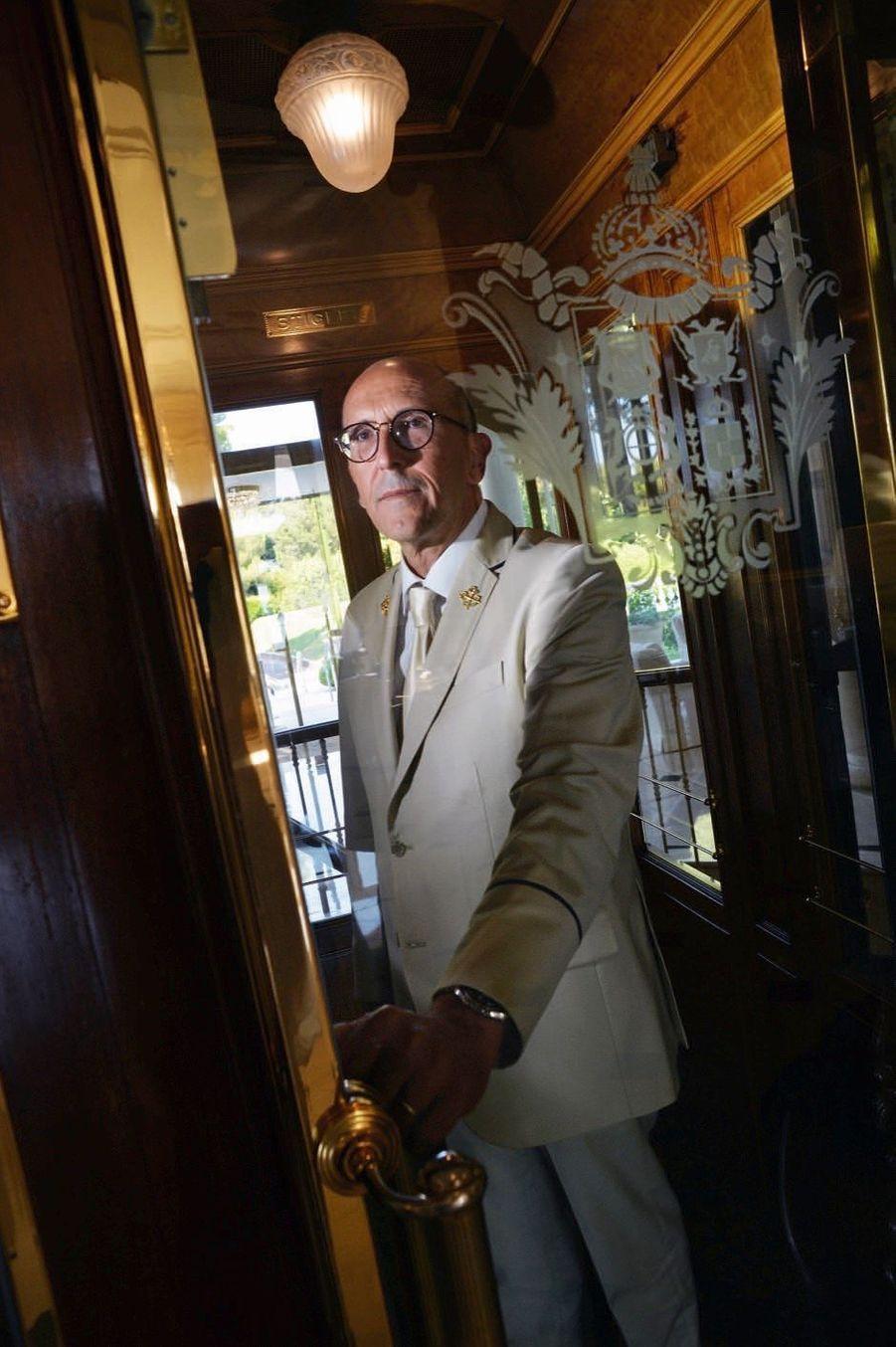 Gilles Bertolino chef concierge depuis trente-quatre ans