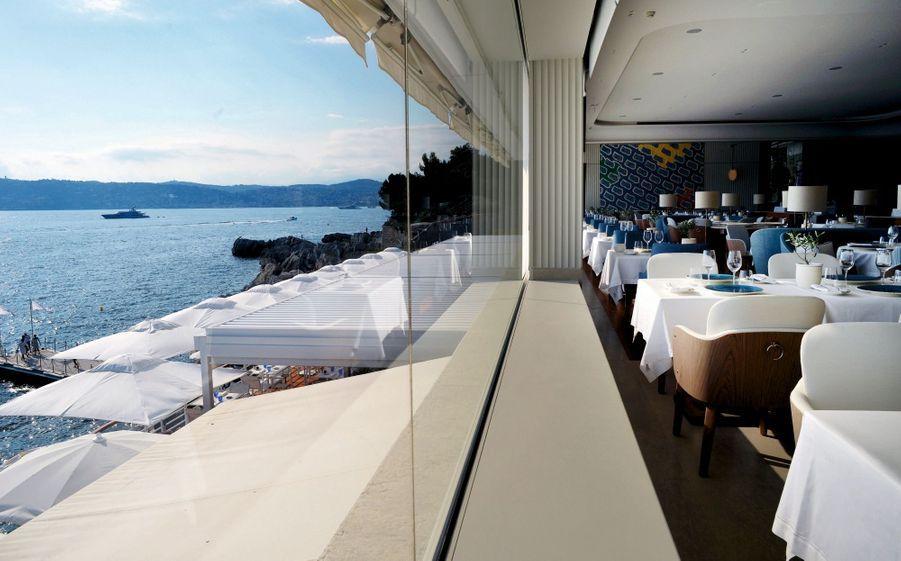 La vue époustouflante du restaurant Louroc rénové cette année