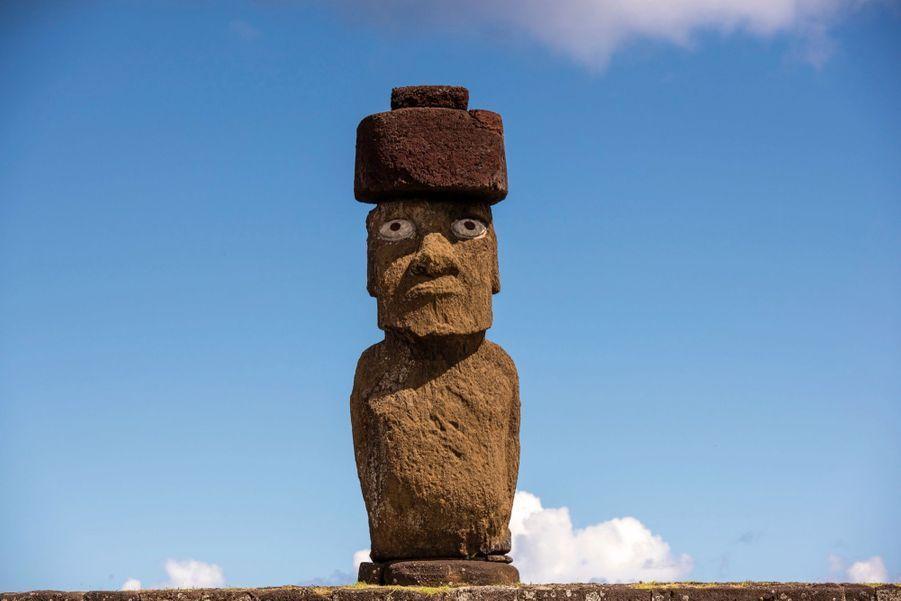La statue relevée par l'équipe de Match. Avec l'autorisation des habitants, des yeux lui ont été ajoutés plus tard. Comme à l'origine.