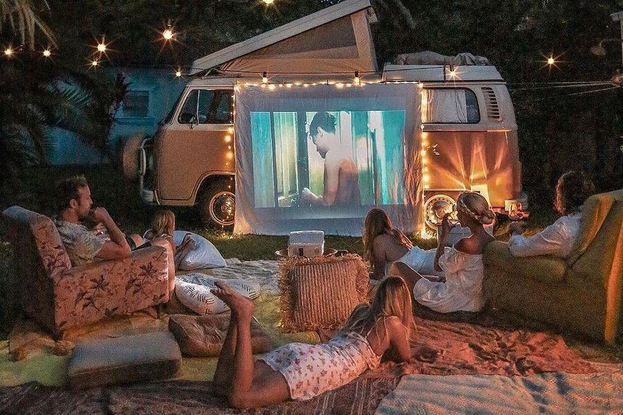 On improvise une soirée cinéma comme à la maison…