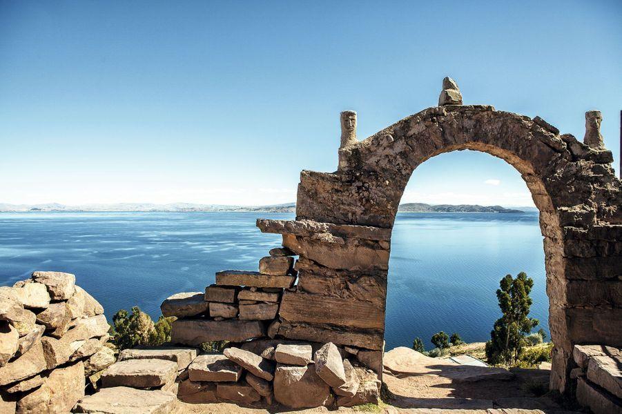 Depuis l'île de Taquile, le lac Titicaca.