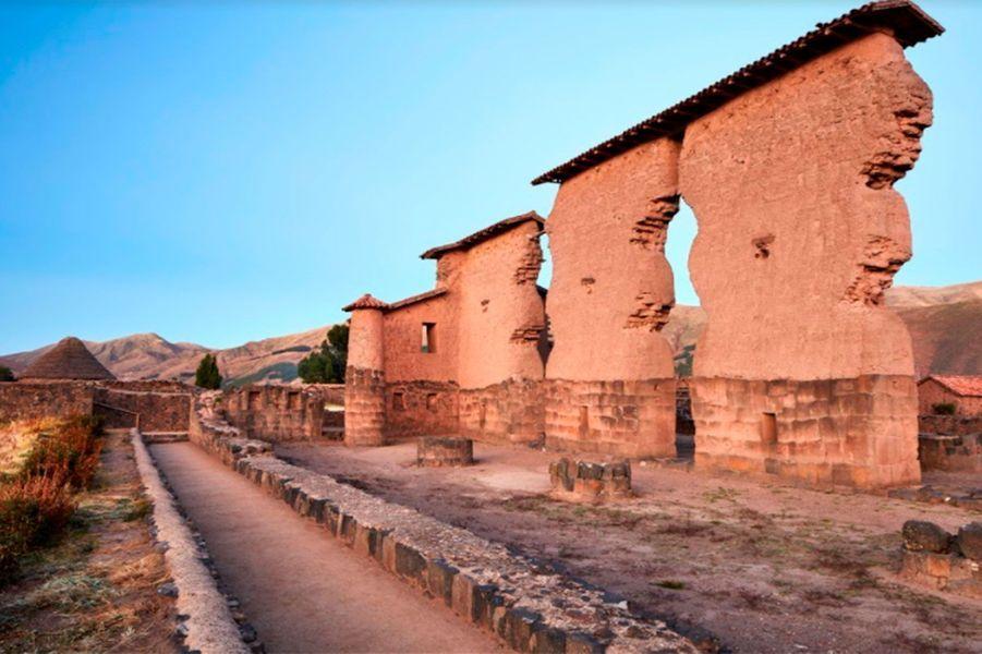 Les ruines du village inca de Raqchi.