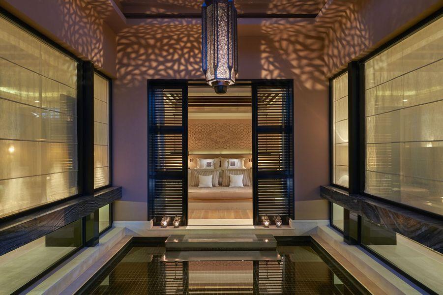 Dans les villas: une chambre.