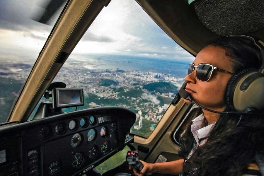 Un survol de Rio en hélicoptère est organisé. L'effet est saisissant.