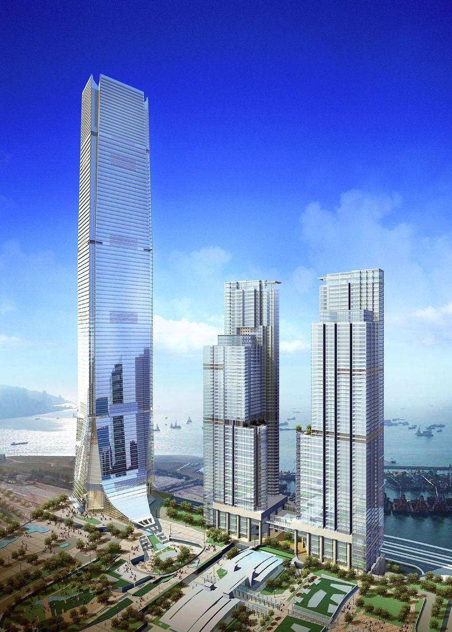 Hong Kong n'est pas en reste avec cette tour de 484 mètres inaugurée en 2010.