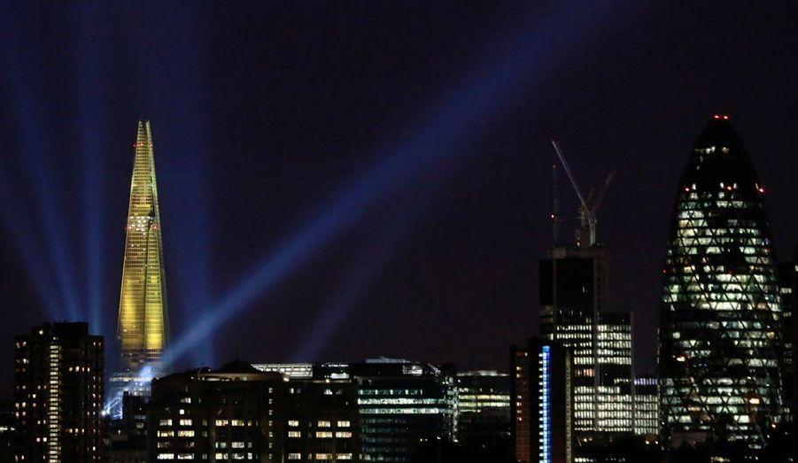 La plus grande tour d'Europe occidentale, le Shard building, à Londres, qui culmine à 310 mètres.