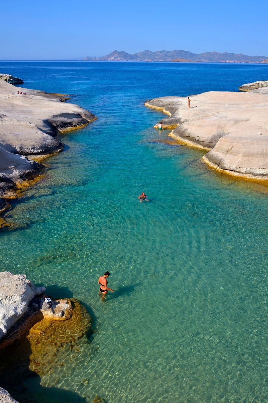 N°13: Kleftiko Beach, Milos (Grèce)