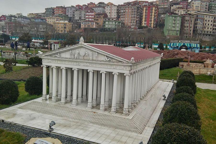 Reconstruction du templed'Artémis en Turquie.