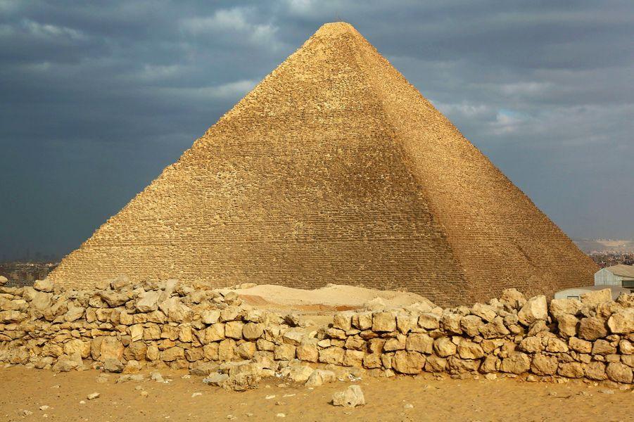 La pyramide de Khéops (Égypte) de nos jours.