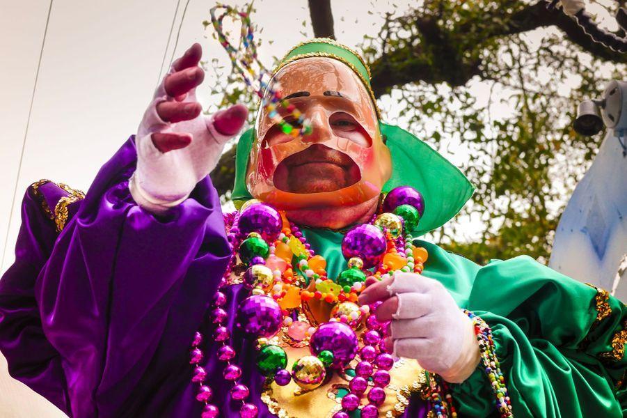 Lors de la célèbre parade du Mardi Gras de la Nouvelle-Orléans.