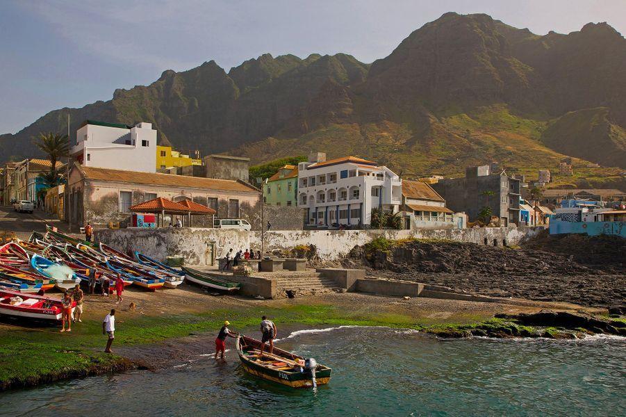 Le village de pêcheurs de Ponta do Sol sur l'île de Santo Antao, Cap Vert.