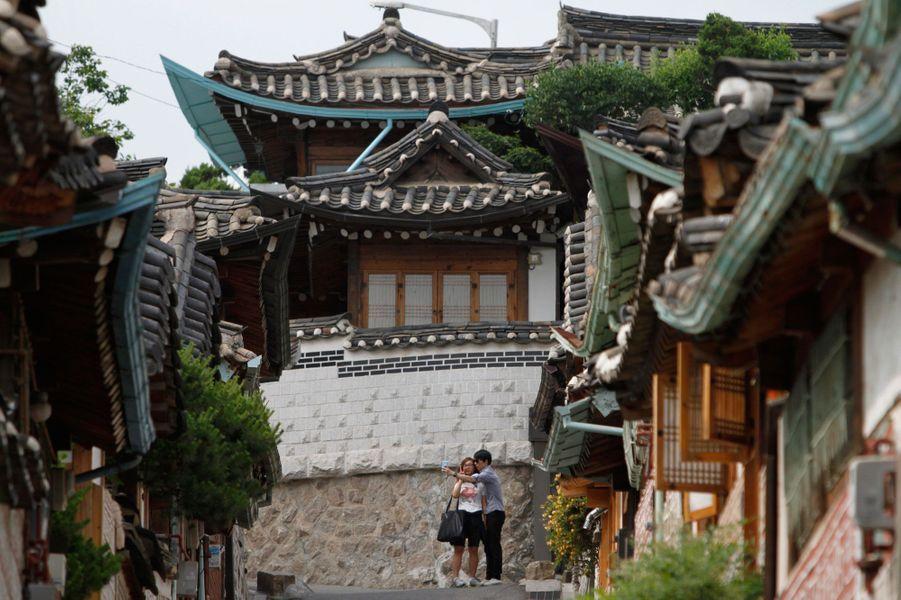 Séoul et ses rues vallonnées