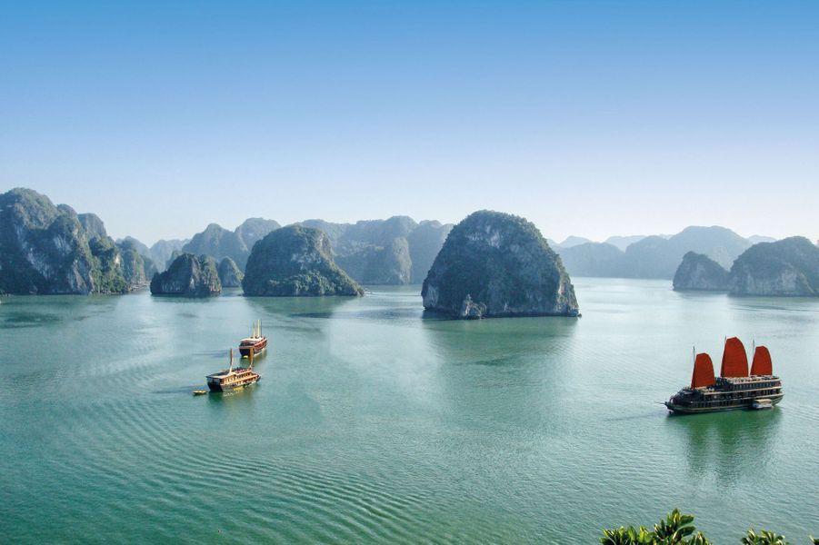 Hanoï et la baie d'Halong : dans les brumes épaisses d'un cinéma du réel