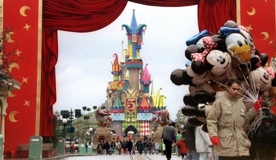 """Le """"Chateau Fou"""" fût décoré sur le thème du Bossu de Notre-Dame en 1997."""