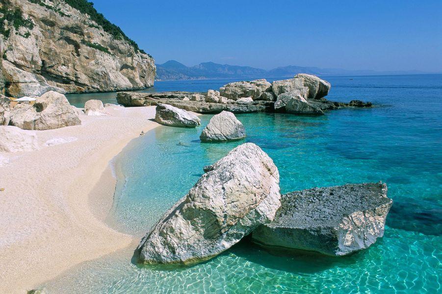 12. Cala Mariolu, Baunei (Italie)