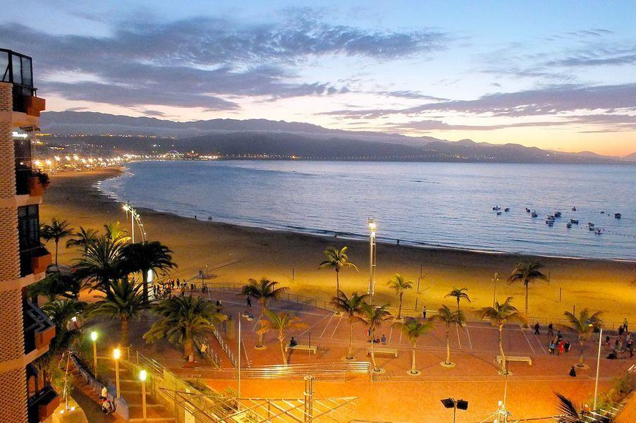 14. Playa de Las Canteras, Las Palmas (Espagne)
