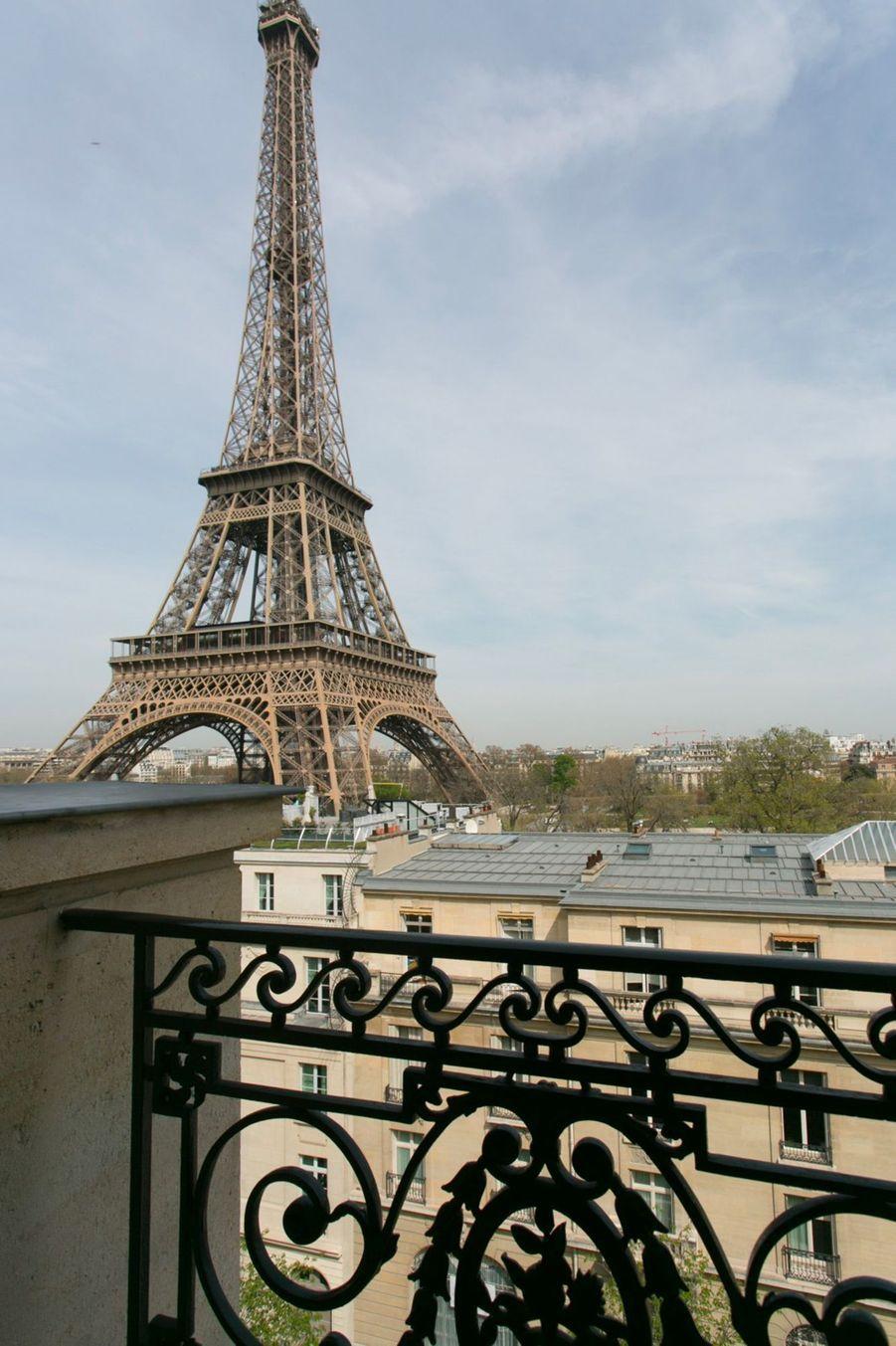 La Résidence Charles Floquet se situe à deux pas de la Tour Eiffel de Paris.