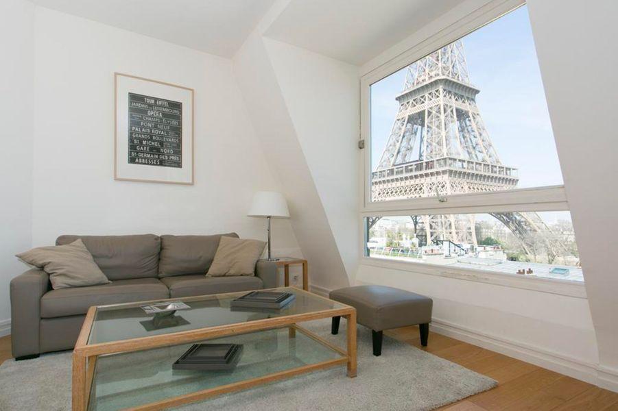 LaRésidence Charles Floquet se situe à deux pas de la Tour Eiffel de Paris.