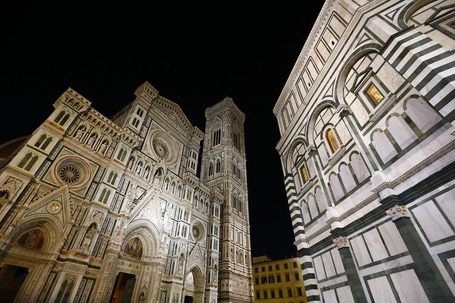 A côté de laCathédrale Santa Maria del Fiore de Florence, se trouve leFirenze Rentals Corso 12.