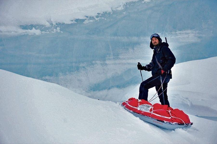Le Groenland est sa passion. Il y possède une maison et y retourne dès qu'il peut