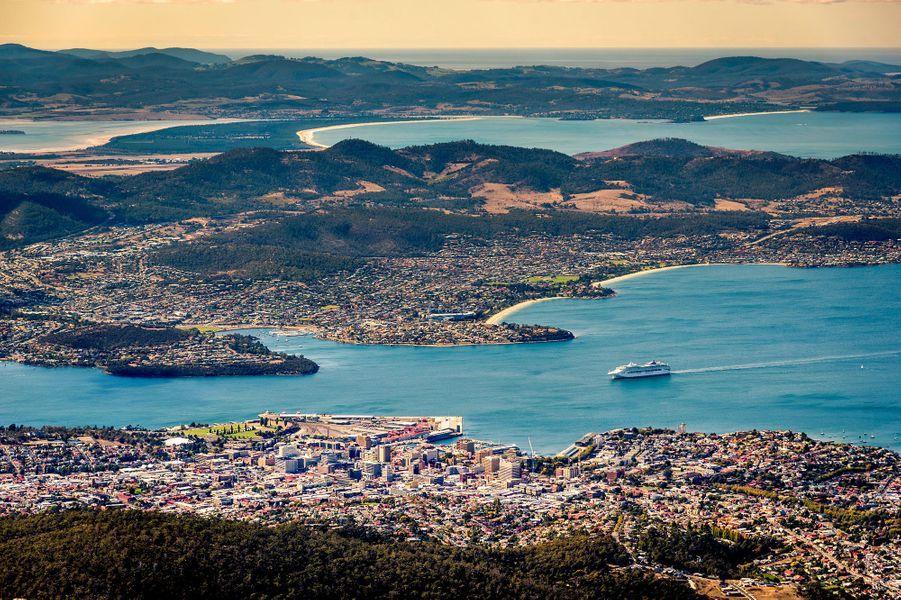 Le Derwent et Hobart du sommet du mont Wellington.