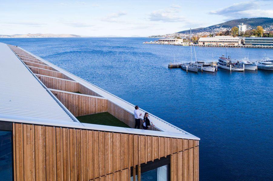 Les terrasses du Macq01 sur le port de Hobart.