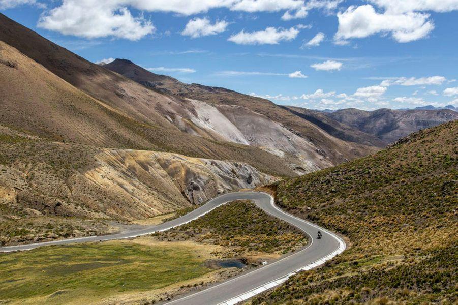 Les motards en quête d'aventure pourront rouler sur les sublimes routes et chemins du Pérou avec Vintage Rides dès juin 2019.