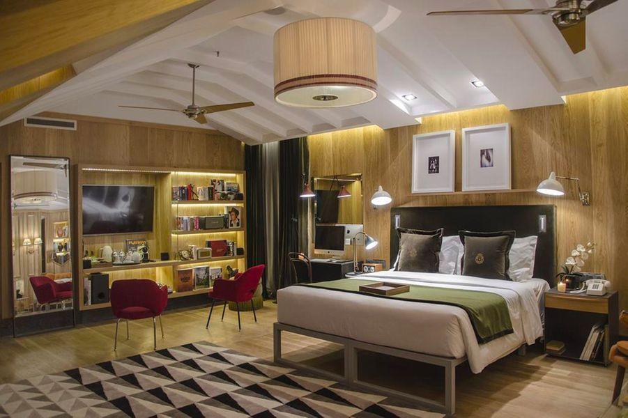 Le Browns Central Hotel, établissement 4 étoiles.