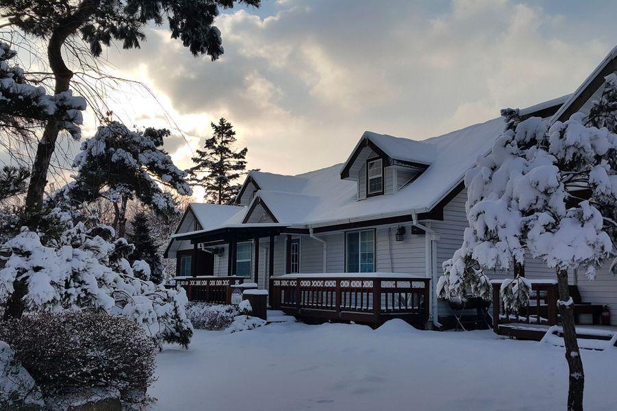 La Simscabin Winter House