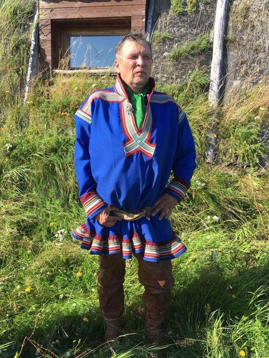 Costume traditionnel sami