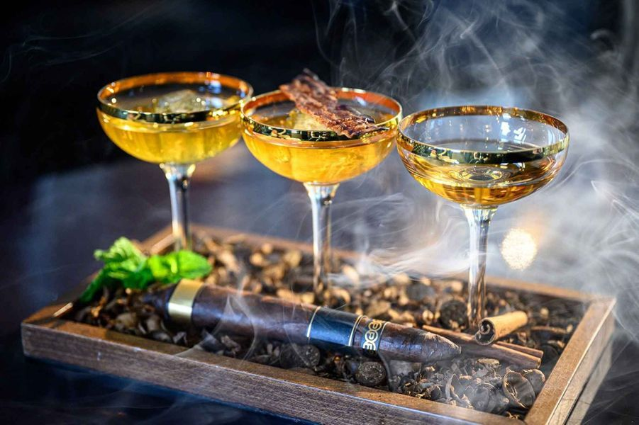 Cocktail & Cigar Experience
