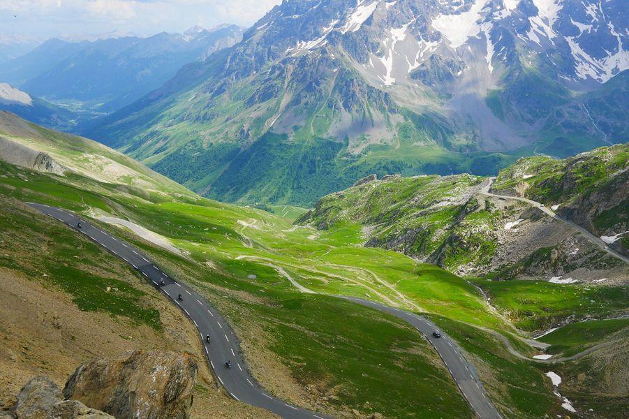 Il faut voir les Alpes pour de vrai afin de comprendre leur beauté.