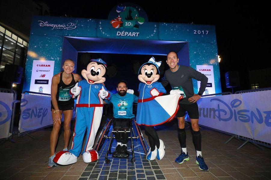 Paula Radcliffe, Michaël Jérémiasz et Yohann Diniz au départ du 10 kilomètres à Disneyland Paris, le 23 septembre 2017.
