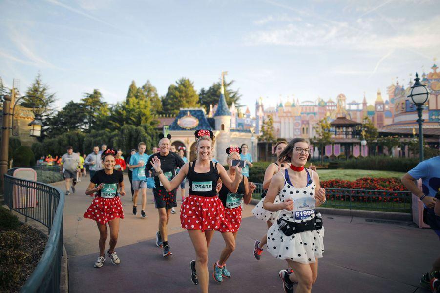 Durant la course du 10 kilomètres à Disneyland Paris, le 23 septembre 2017.