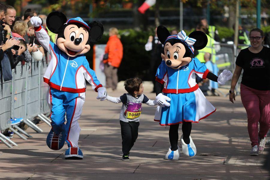 Durant la course des enfants à Disneyland Paris, le 23 septembre 2017.