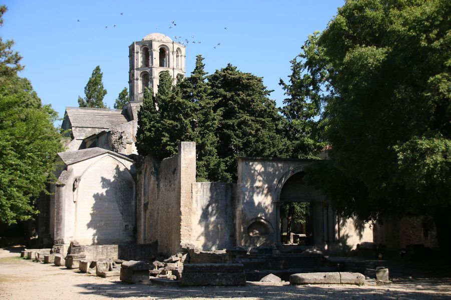 Extérieur Eglise Alyscamps