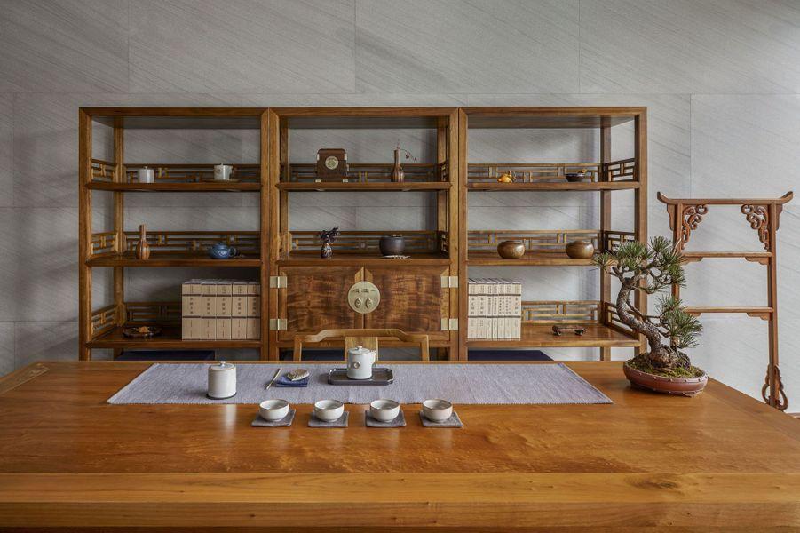 Cérémonie du thé dans l'une des classes du centre culturel.