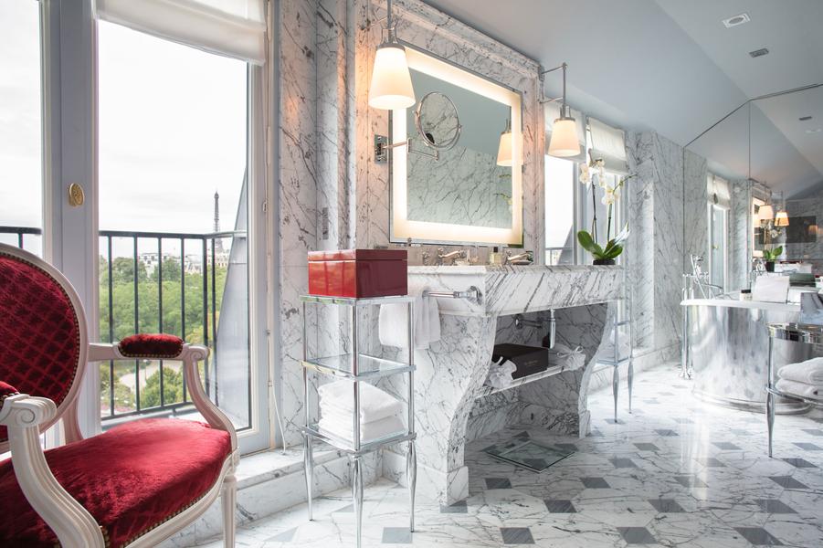 L'opulence du marbre qui habille les salles de bains.
