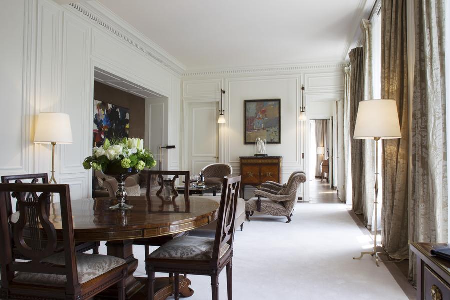 L'une des 26 suites et son enfilade, comme un appartement privé.