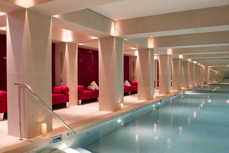 La piscine, pièce maîtresse du spa.