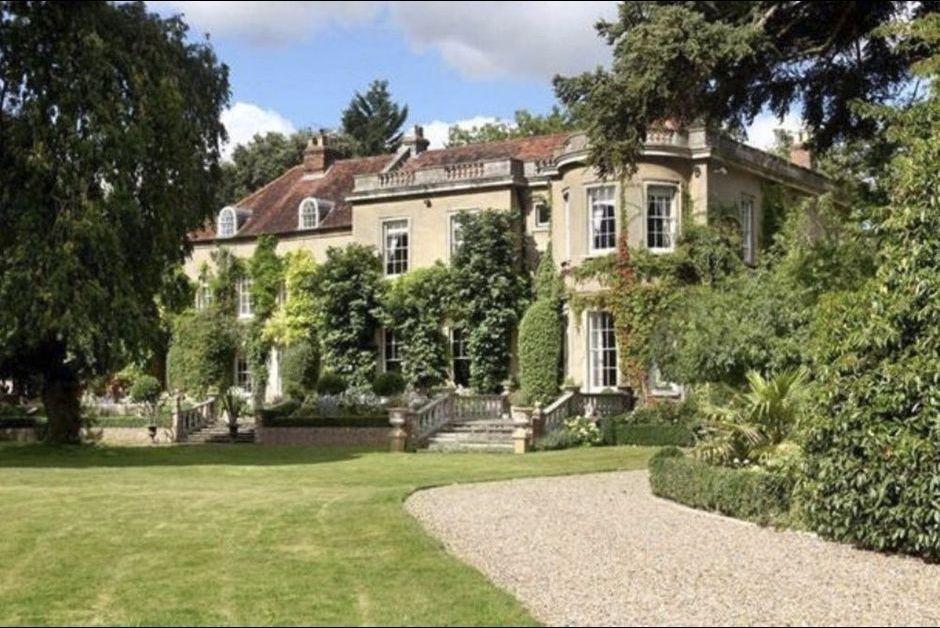 the mill house visitez le manoir anglais d 39 amal et. Black Bedroom Furniture Sets. Home Design Ideas