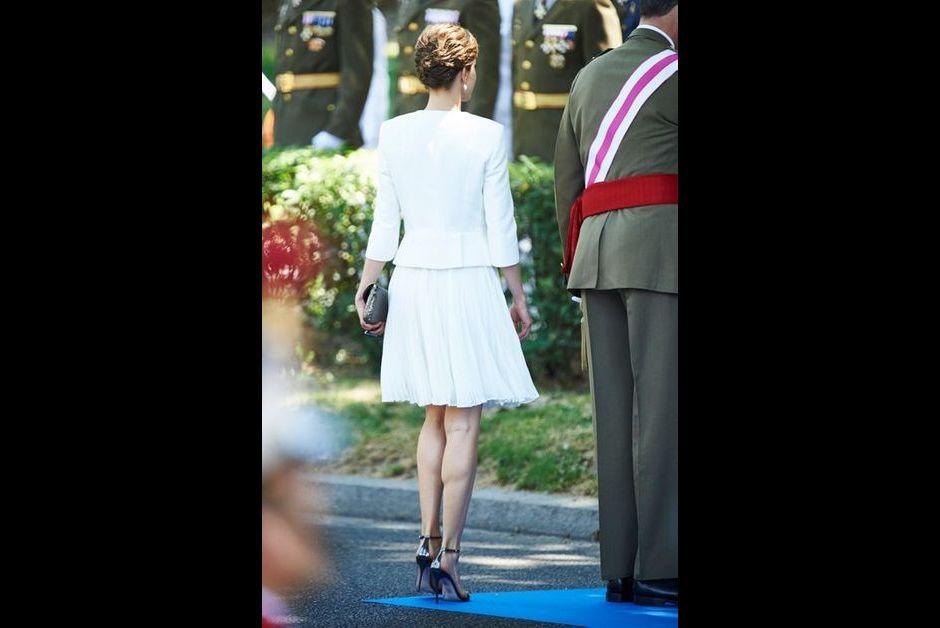 La-reine-Letizia-d-Espagne-sur-la-plaza-de-la-Lealtad-a-Madrid-le-6-juin-2015.jpg